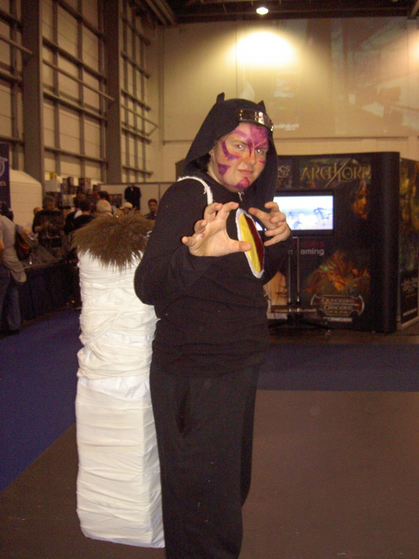 http://www.animetion.co.uk/features/Cosplay2/Gallery/Kankuro(G).JPG